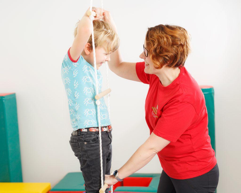Fysioterapia auttaa myös lapsia.