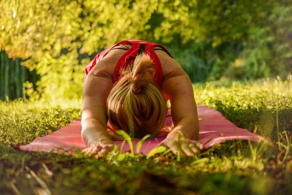 Psykofyysinen fysioterapia huomio kehon ja mielen jatkuvan yhteyden.